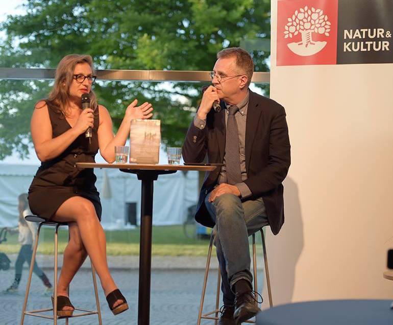 Samtal i Almedalen med förläggaren Stephen Farran-Lee